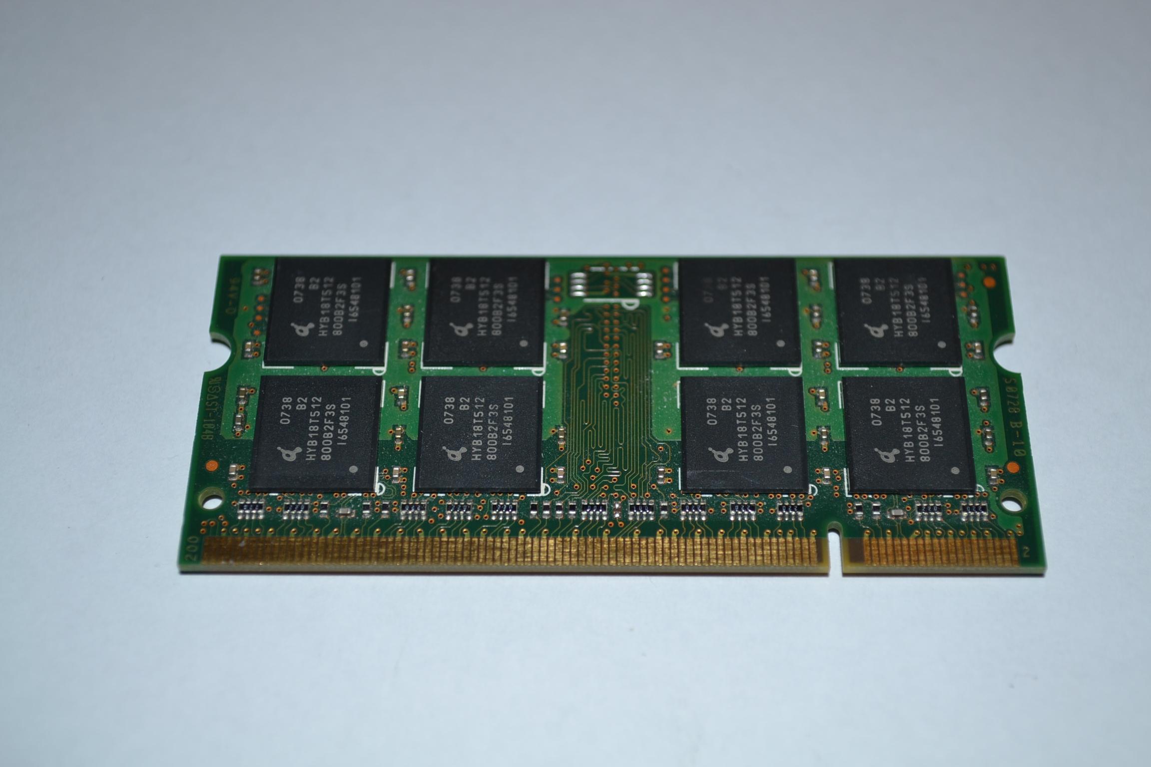Image 0 of Axiom 1GB DDR2 SDRAM Memory Module
