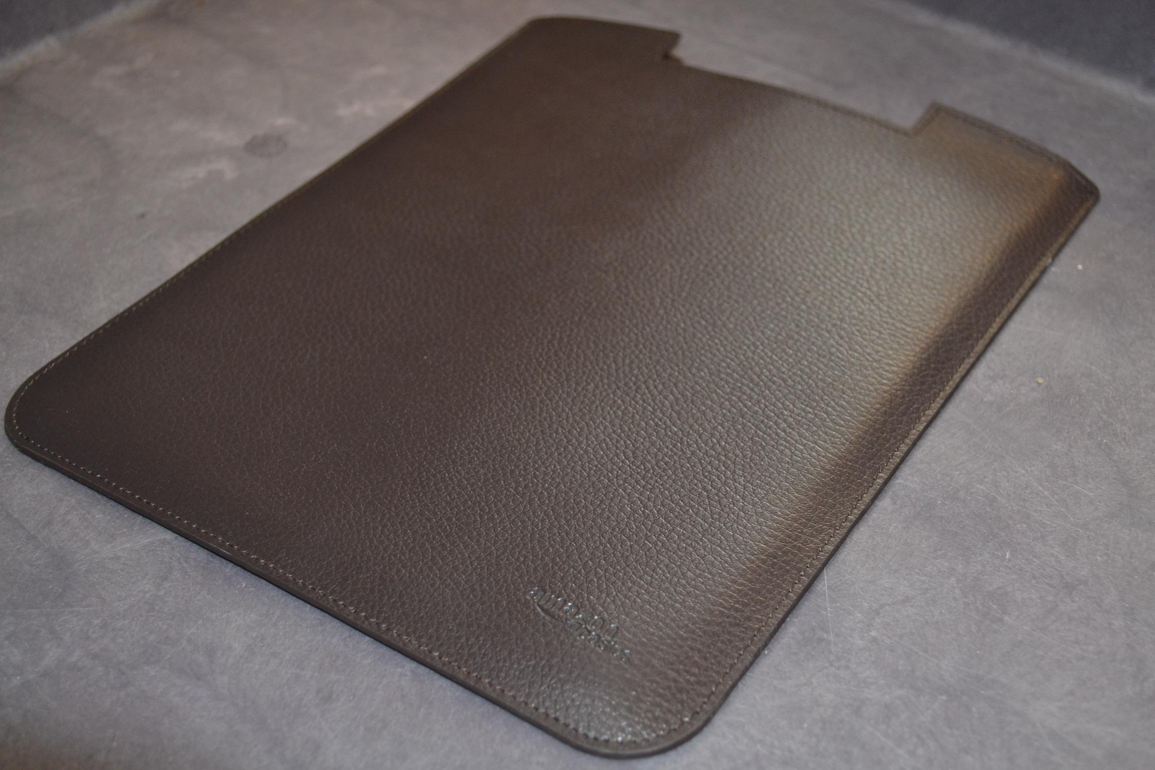 AmazonBasics Leather Sleeve For Apple iPad Brown