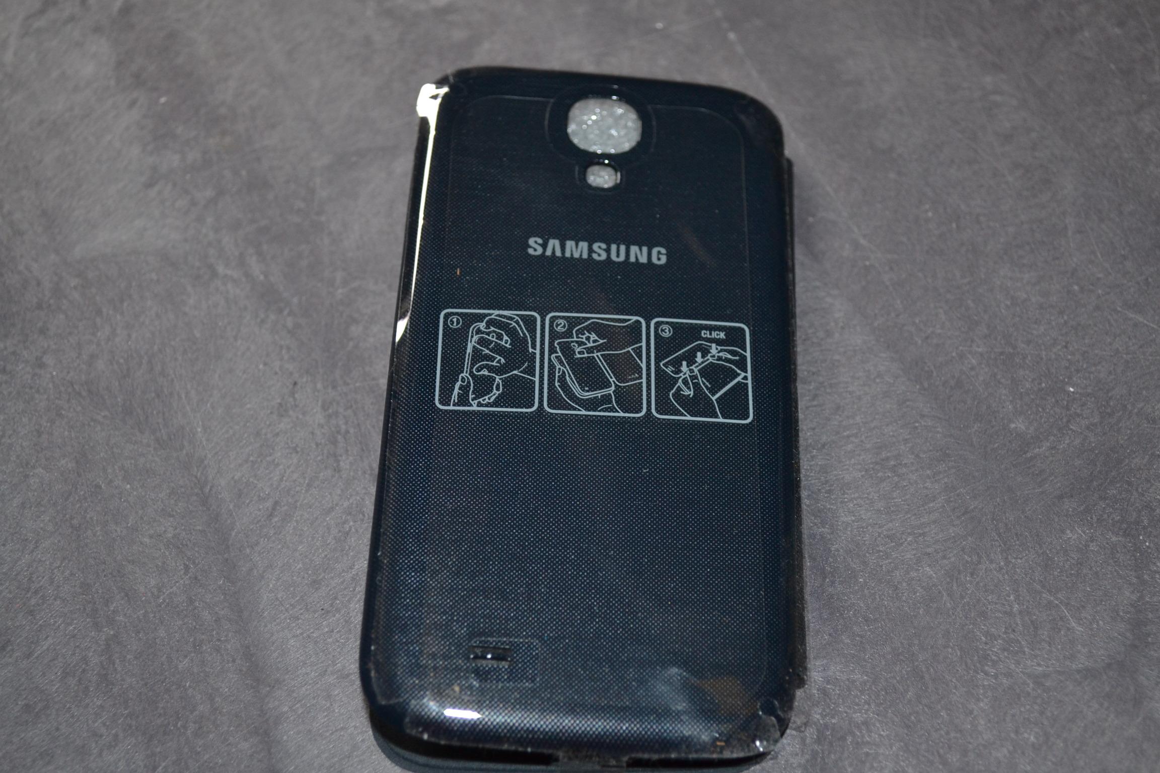 Image 2 of Samsung Galaxy S4 Flip Cover Folio Case Black Fitted EF-FI950BBESTA