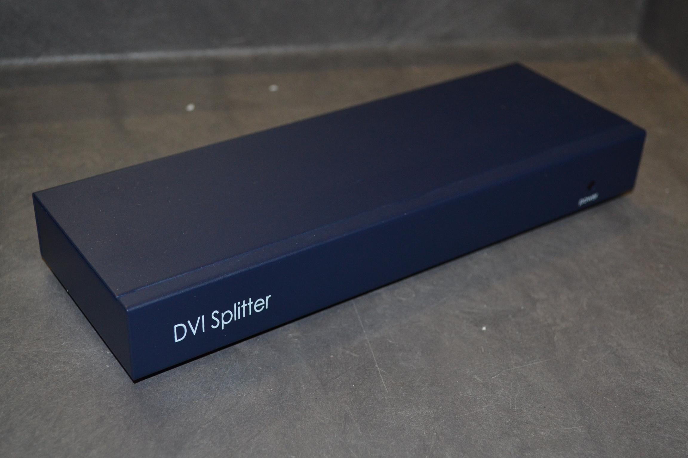 4-Port DVI Video Splitter 1900X1200 Black AV